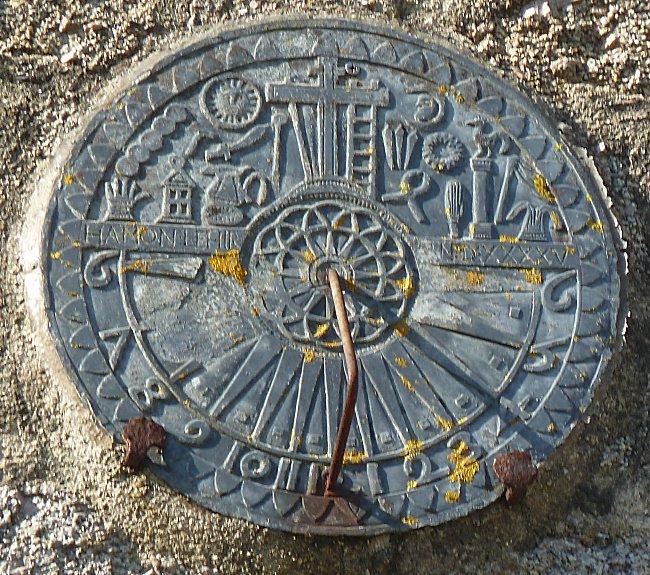 pierre bretonne en forme de croix